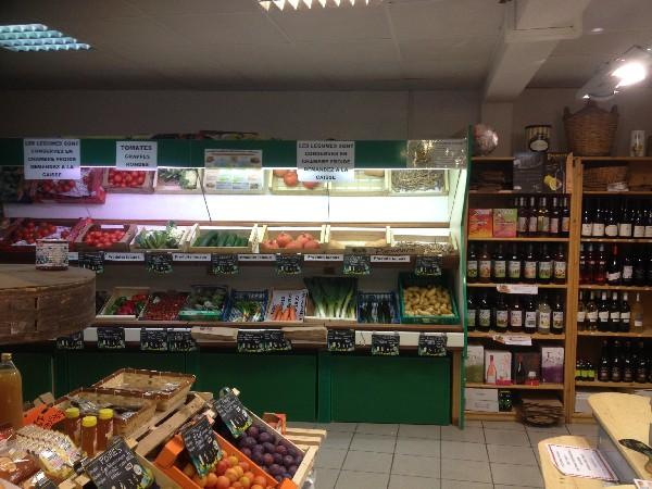 Le Panier du Facteur<br /> Rayon l&eacute;gumes locaux, sirops et vins aromatis&eacute;s BIGALLET